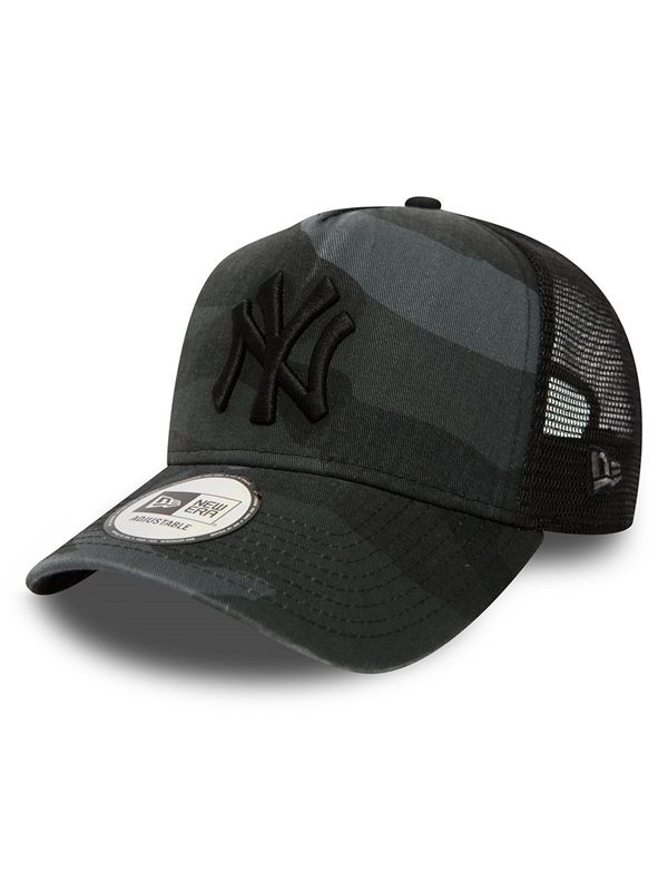 New Era Washed Camo Trucker In New York Yankees  f2d862f5998a